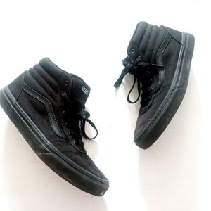 VANS | Black high top skate sneakers